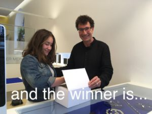 Read more about the article Schmuckverlosung zum Muttertag  – and the winner is ….